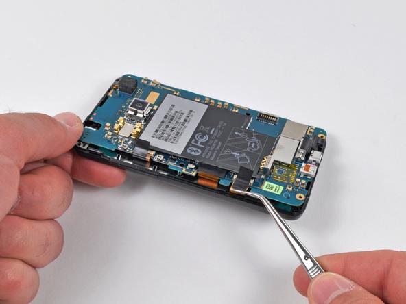 Как разобрать телефон HTC Evo 4G (17)